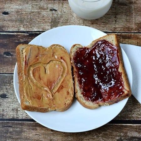 Peanut Butter & Jelly Sandwich | cookingwithcurls.com