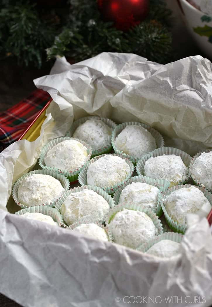 Pecan Snowballs, the perfect gift!! cookingwithcurls.com