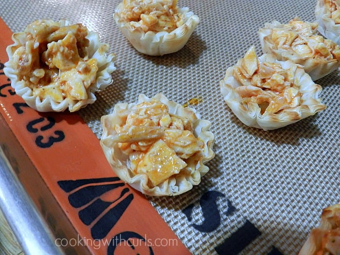 Buffalo Chicken Bites fill cookingwithcurls.com