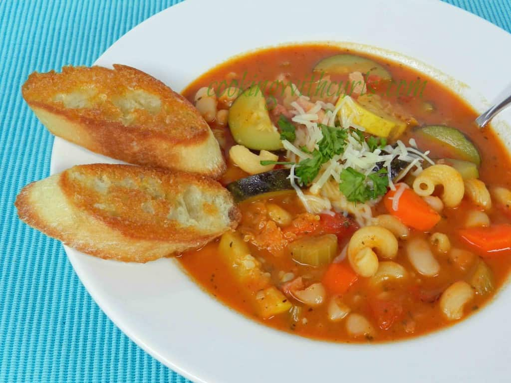 Minnestrone Soup by cookingwithcurls.com