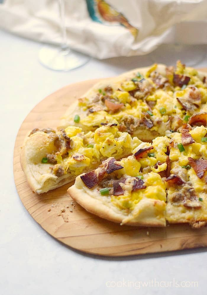 Breakfast Pizza! cookingwithcurls.com