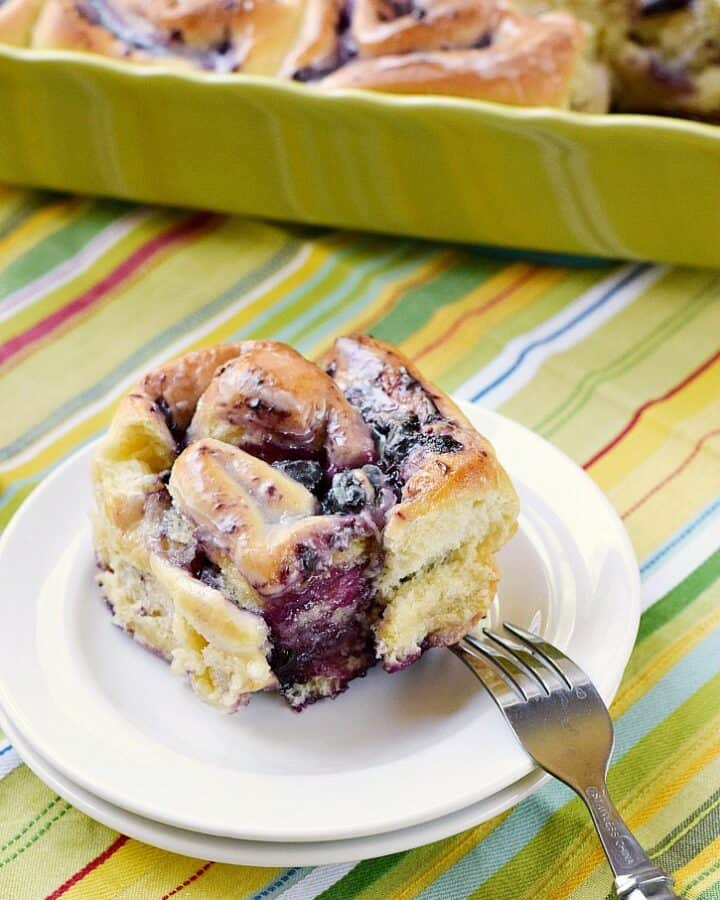 Blueberry Sweet Rolls with Lemon Glaze are the perfect way to start the day! cookingwithcurls.com