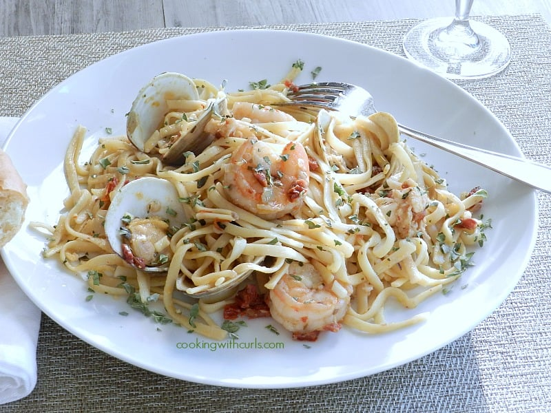 Italian Seafood Pasta by cookingwithcurls.com