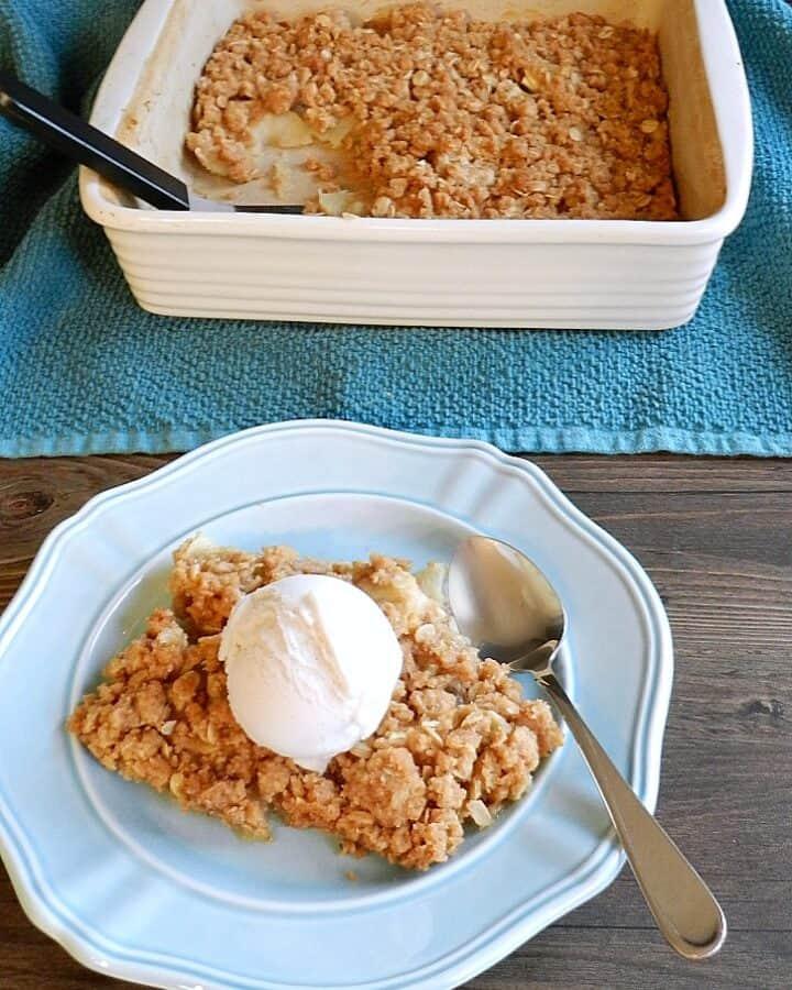 Old-fashioned Apple Crisp   cookingwithcurls.com