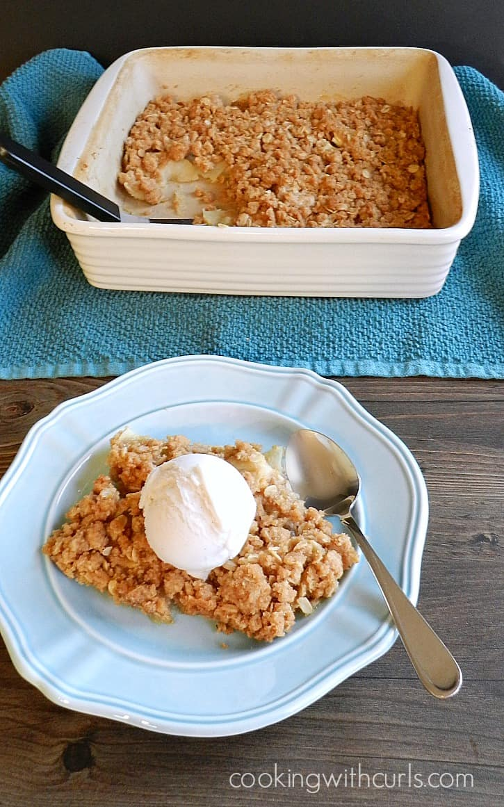 Old-fashioned Apple Crisp | cookingwithcurls.com