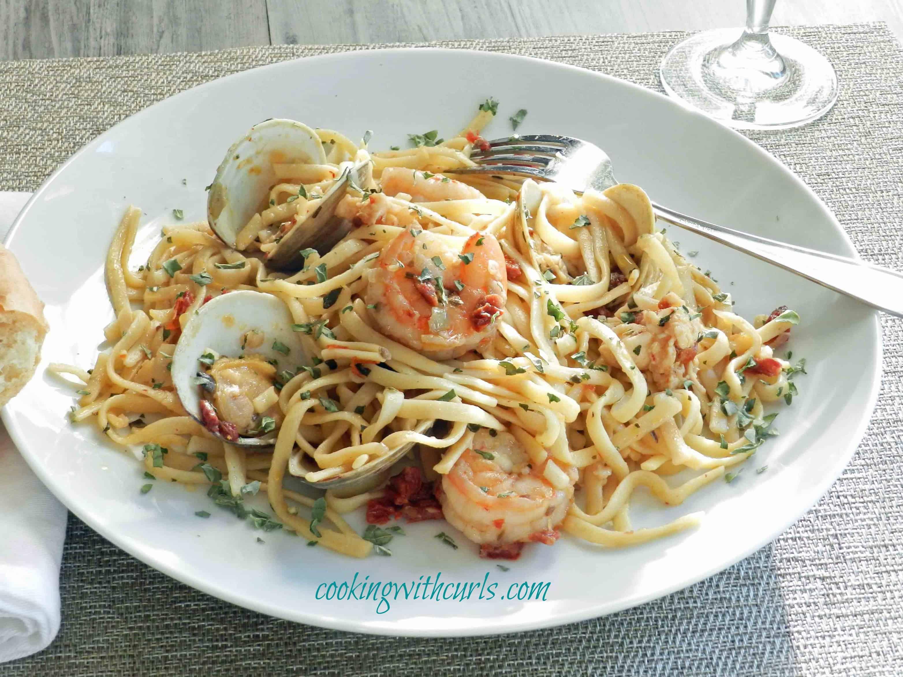 Seafood Pasta Recipes — Dishmaps