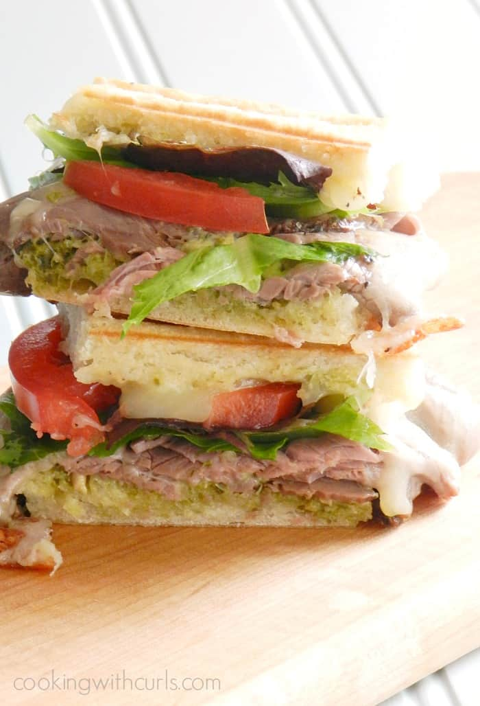 This Roast Beef Pesto Sandwich is the perfect, quick meal on busy nights! cookingwithcurls.com