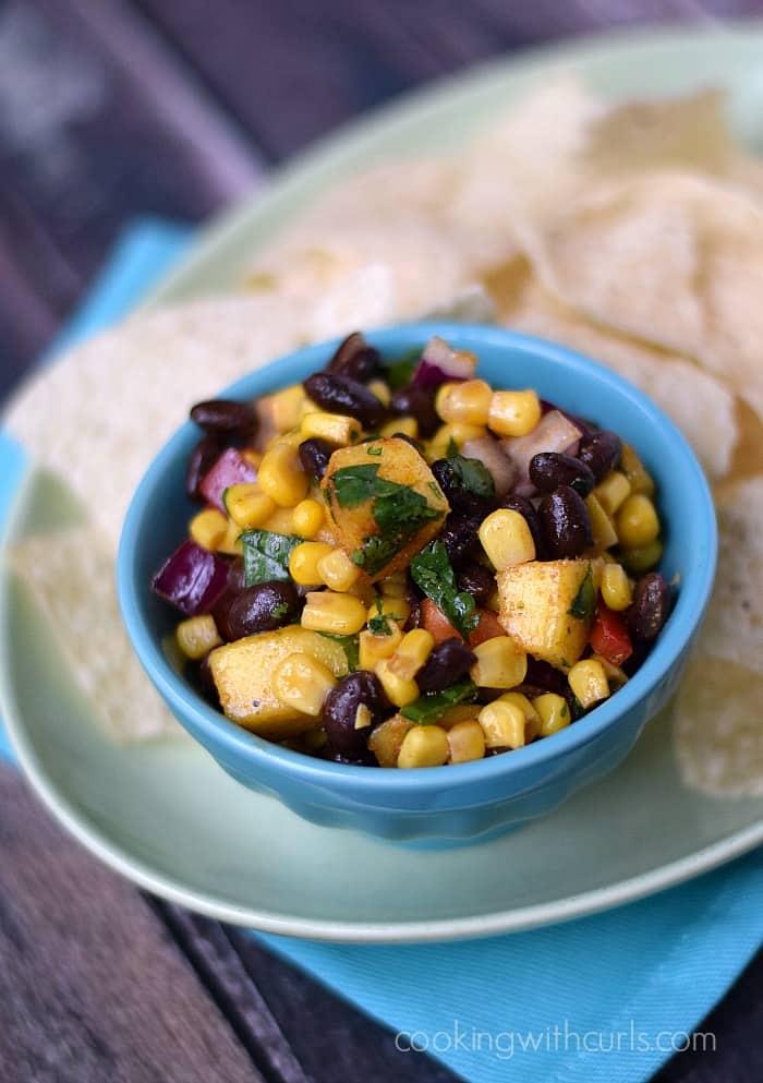 Black Bean & Mango Salsa | cookingwithcurls.com