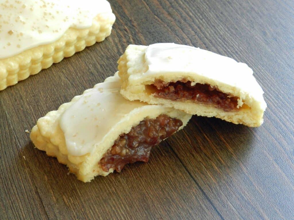 Blonde Fatale Pop Tarts cookingwithcurls.com