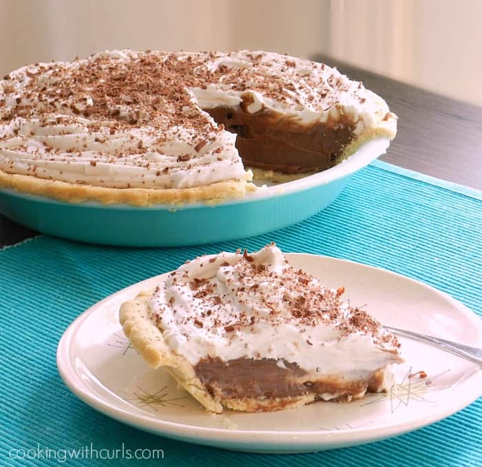 Chocolate Cream Pie | cookingwithcurls.com | #dairyfree