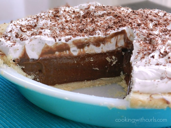 Chocolate Cream Pie | cookingwithcurls.com