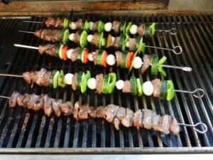 Lamb and Vegetable Kabobs Grill cookingwithcurls.com