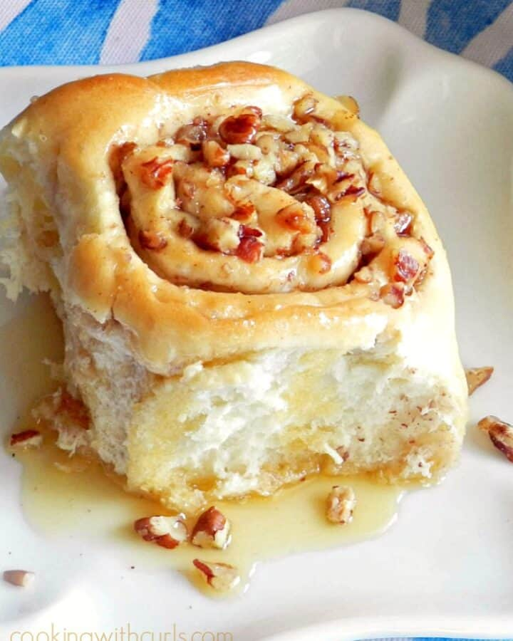 These Baklava Sourdough Cinnamon Roll are filled with all the flavors found in baklava cookingwithcurls