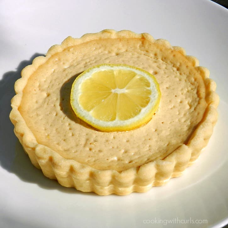 This Honey and Lemon Tart is rich and creamy, and the perfect way to end a meal - cookingwithcurls.com