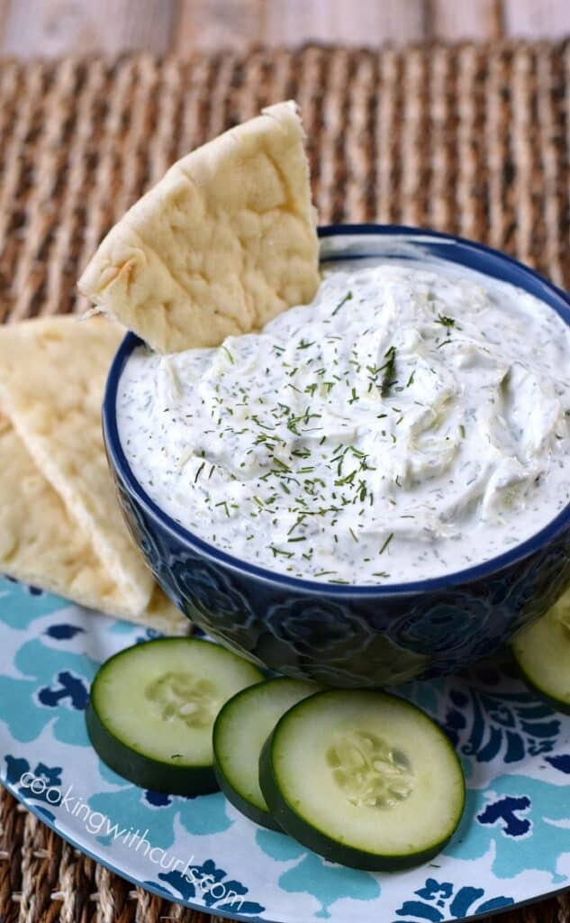 Cucumber and Yogurt Tzatziki Sauce | cookingwithcurls.com