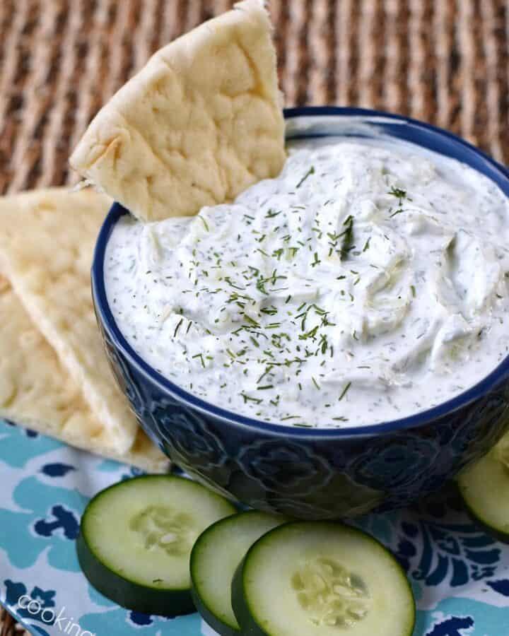 Cucumber and Yogurt Tzatziki Sauce | cookingwithcurls.com
