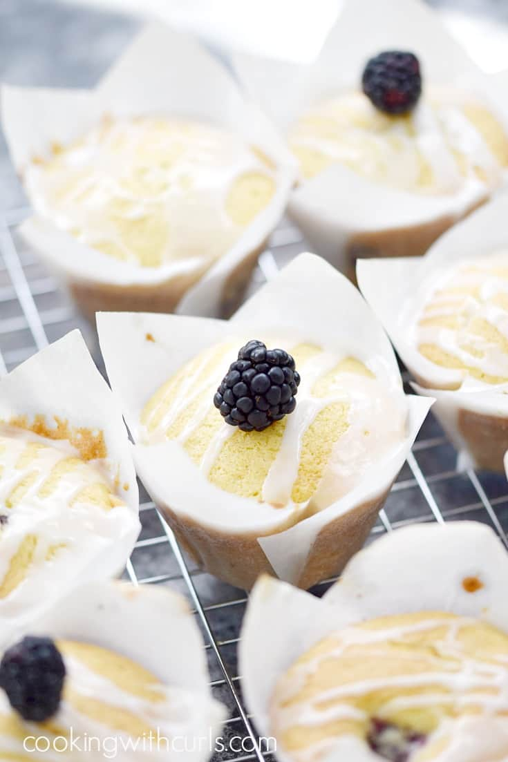 Blackberry Muffins with Lemon Glaze | cookingwithcurls.com
