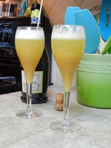Peach Bellini from cookingwithcurls.com
