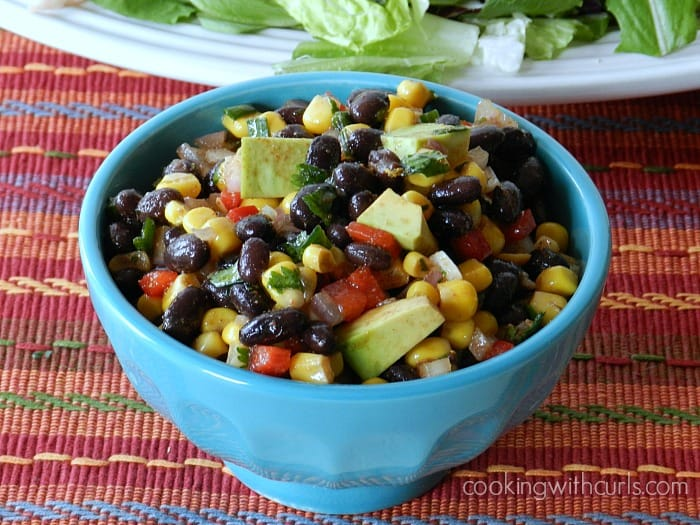 Southwest Black Bean Salsa | cookingwithcurls.com