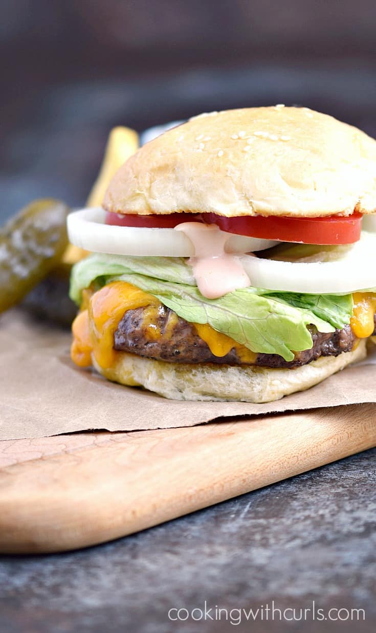 A Classic Diner Burger is a bit of nostalgia that I hope never goes out of style | cookingwithcurls.com
