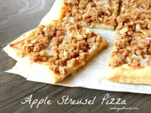 Apple Streusel Pizza cookingwithcurlsc.om