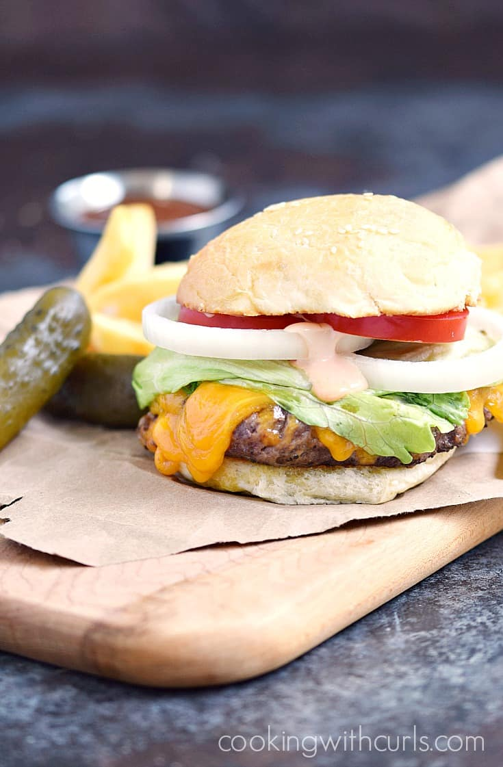 Classic Diner Burger - Perfection! cookingwithcurls.com