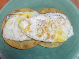 huevos rancheros eggs cookingwithcurls.com
