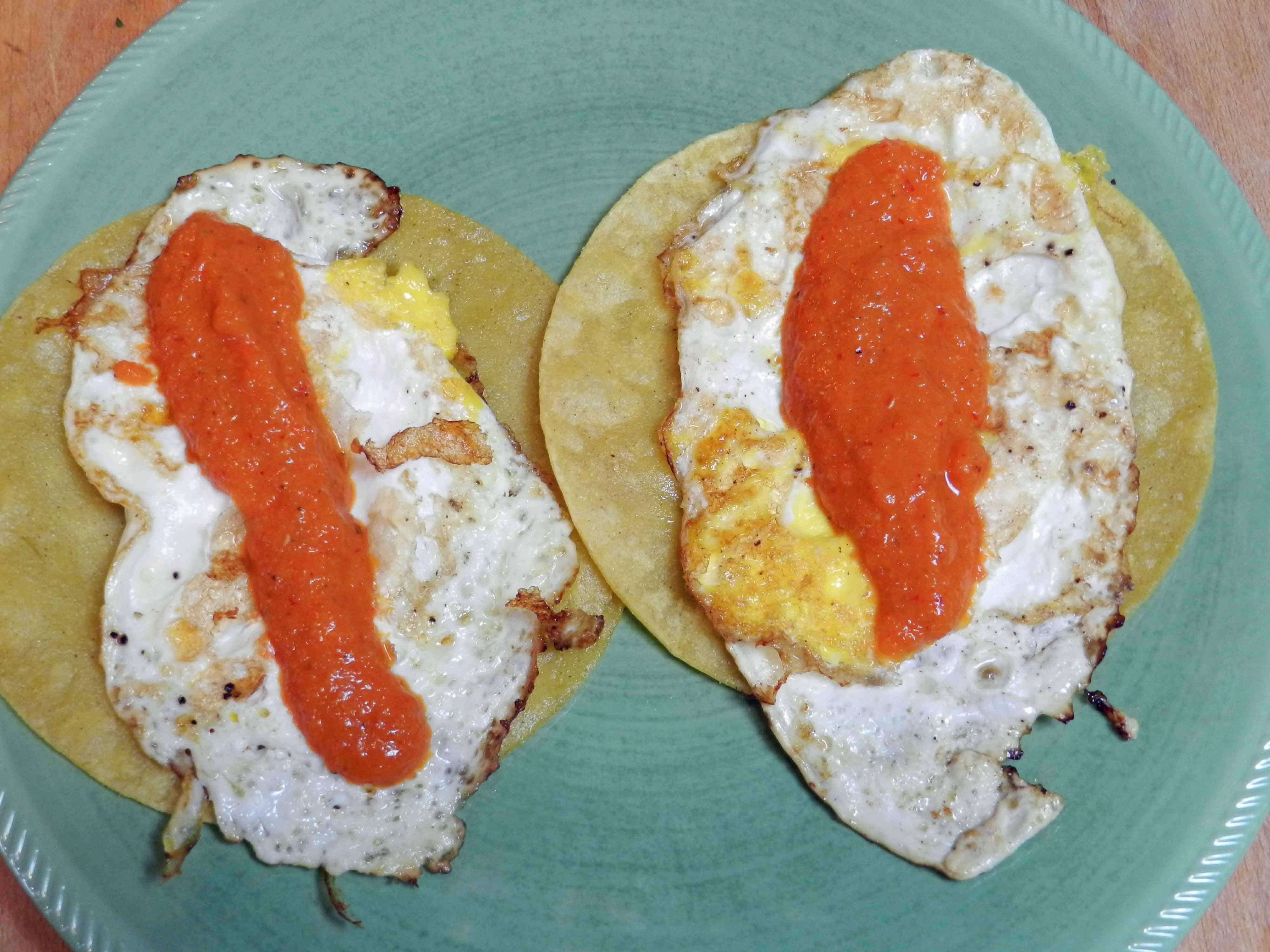 Huevoes Rancheros soft sauce cookingwithcurls.com