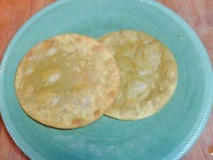 huevos rancheros tortillas cookingwithcurls.com