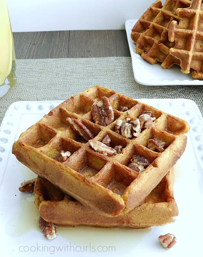 Pumpkin Waffles | cookingwithcurls.com
