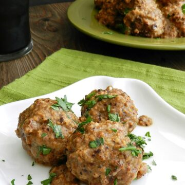 Wonderfully flavored Spanish Meatballs in Almond Sauce are the perfect appetizer and will definitely impress your guests, or your family. cookingwithcurls.com
