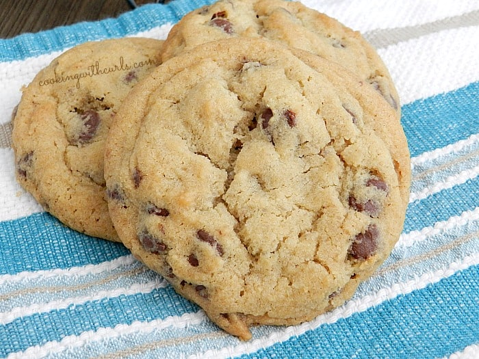 Chocolate Chip Cookies from cookingwithcurls.com