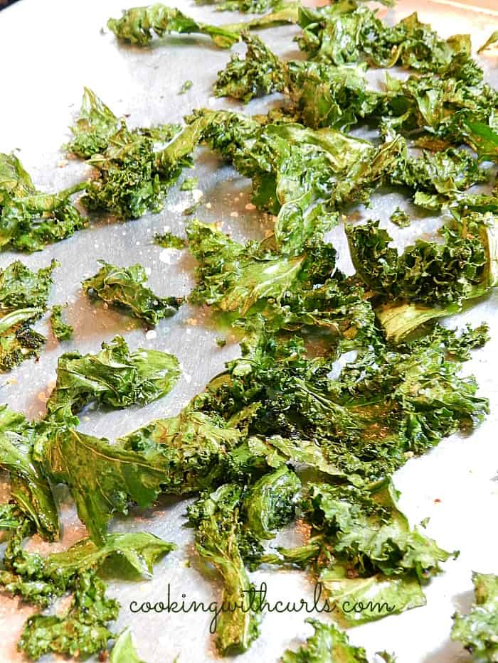 kale chips from cookingwithcurls.com