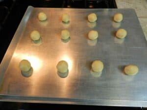 Almond Cookies balls cookingwithcurls.com