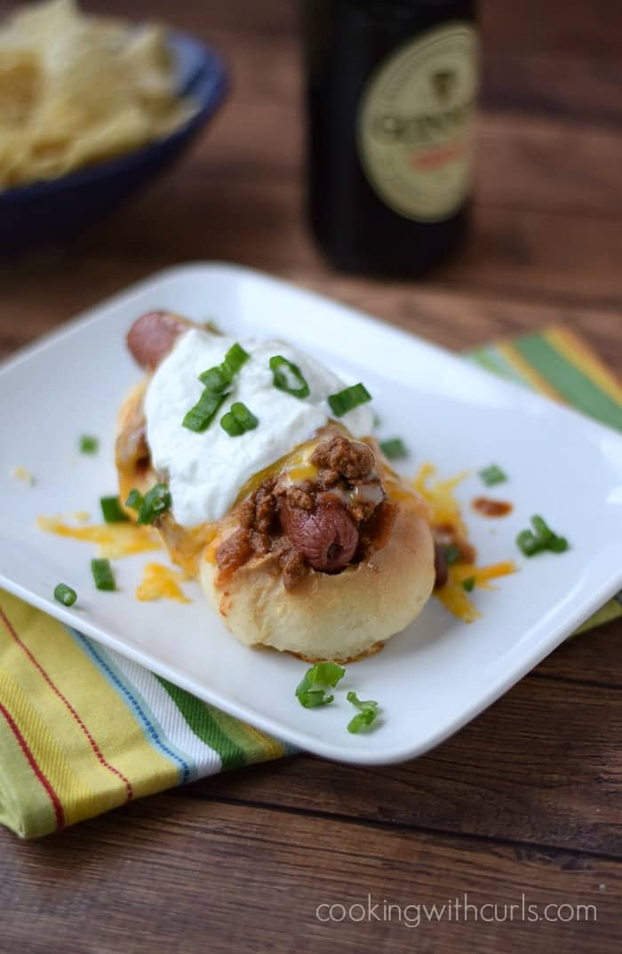 Chili Cheese Dogs | cookingwithcurls.com #guinness
