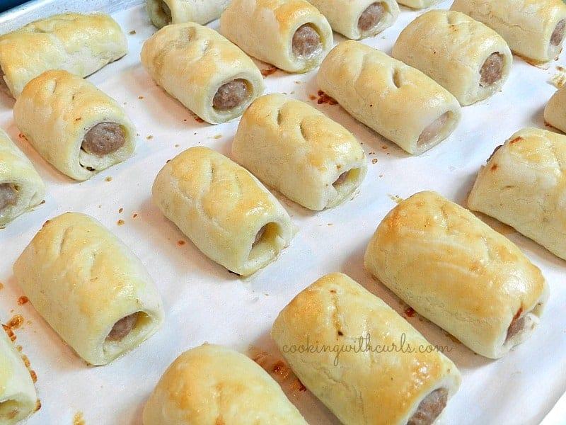 Sausage Rolls cookingwithcurls.com
