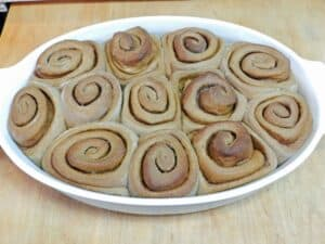 Gingerbread Cinnamon Rolls baked cookingwithcurls.com