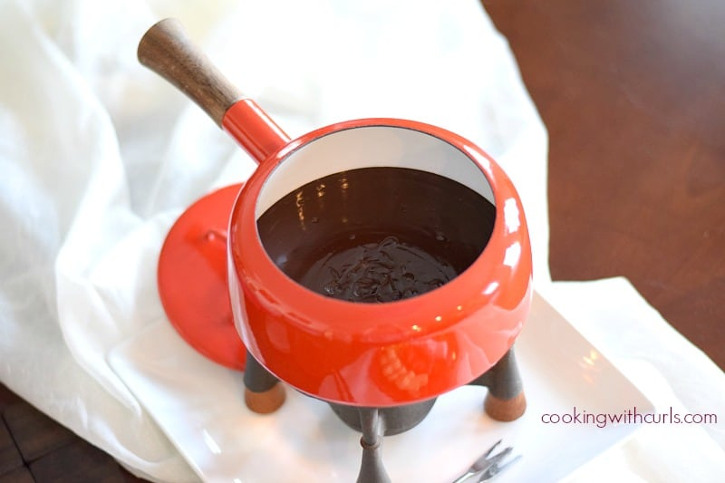 Dark Chocolate Cabernet Fondue pot cookingwithcurls.com
