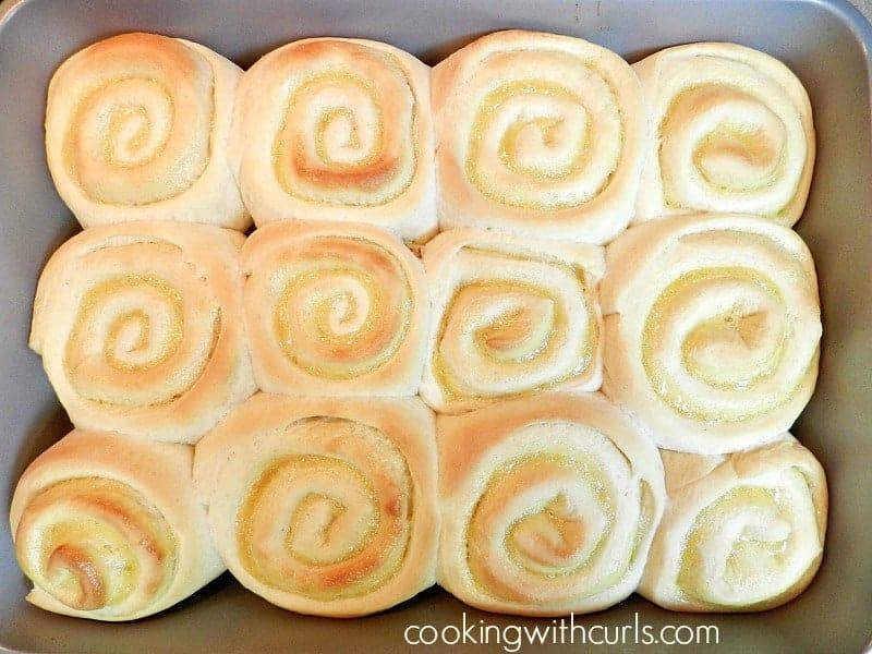 Lemon Curd Sweet Rolls bake cookingwithcurls.com