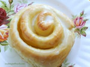 Lemon Curd Sweet Rolls