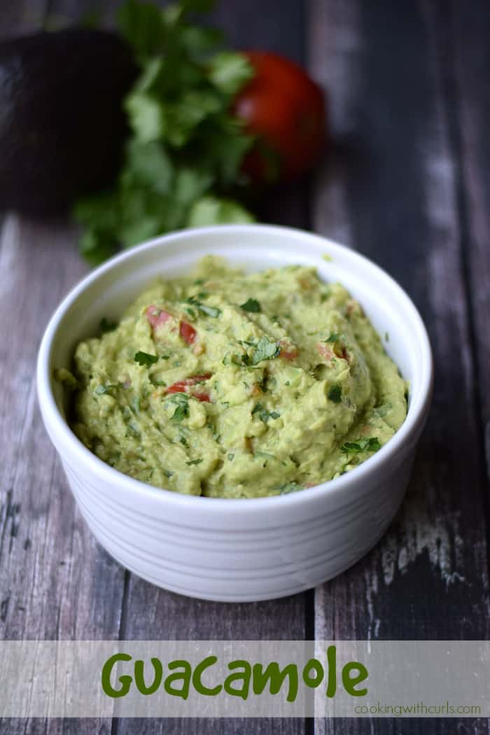 Guacamole cookingwithcurls.com