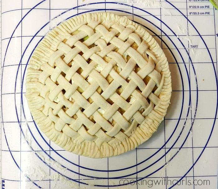 Lattice Top Apple Pie & National Pi Day #piday - Cooking With Curls