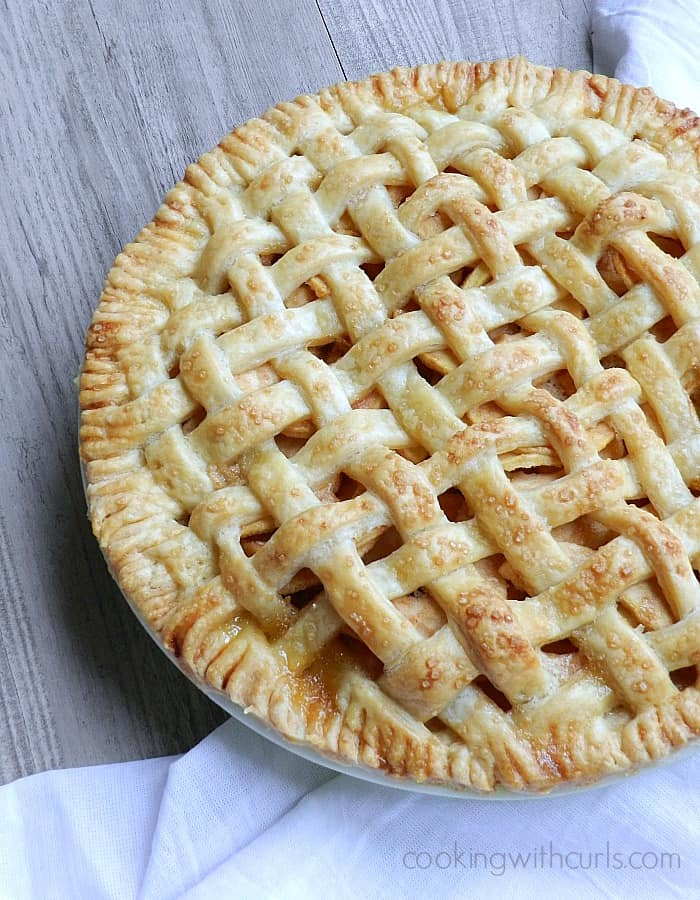 Lattice Top Apple Pie cookingwithcurls.com #piday