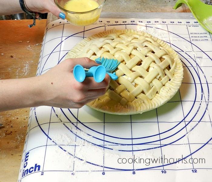 Lattice Top Apple Pie egg wash cookingwithcurls.com