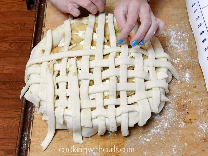 Lattice To Apple Pie flip fold cookingwithcurls.com