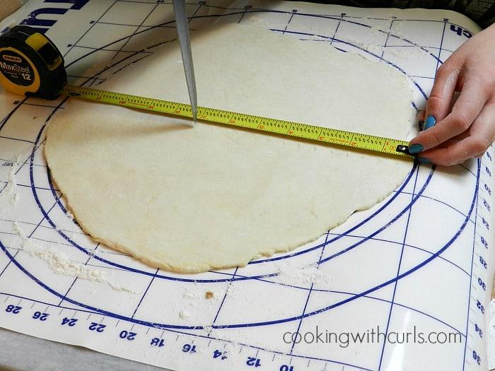 Lattice Top Apple Pie measure cookingwithcurls.com