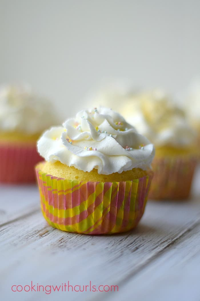 Limoncello Cupcakes cookingwithcurls.com #cupcakes