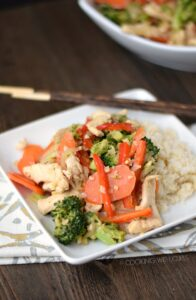 This Paleo Chicken Stir Fry has a light, fresh taste that the whole family will love! cookingwithcurls.com