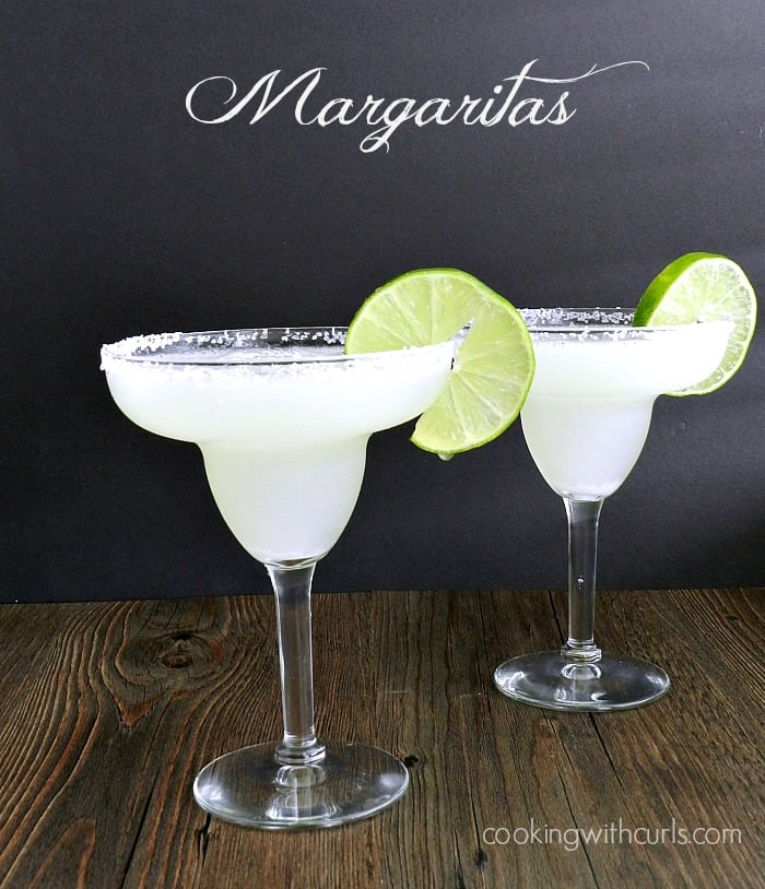 Margaritas | cookingwithcurls.com | #cincodemayo #cocktails