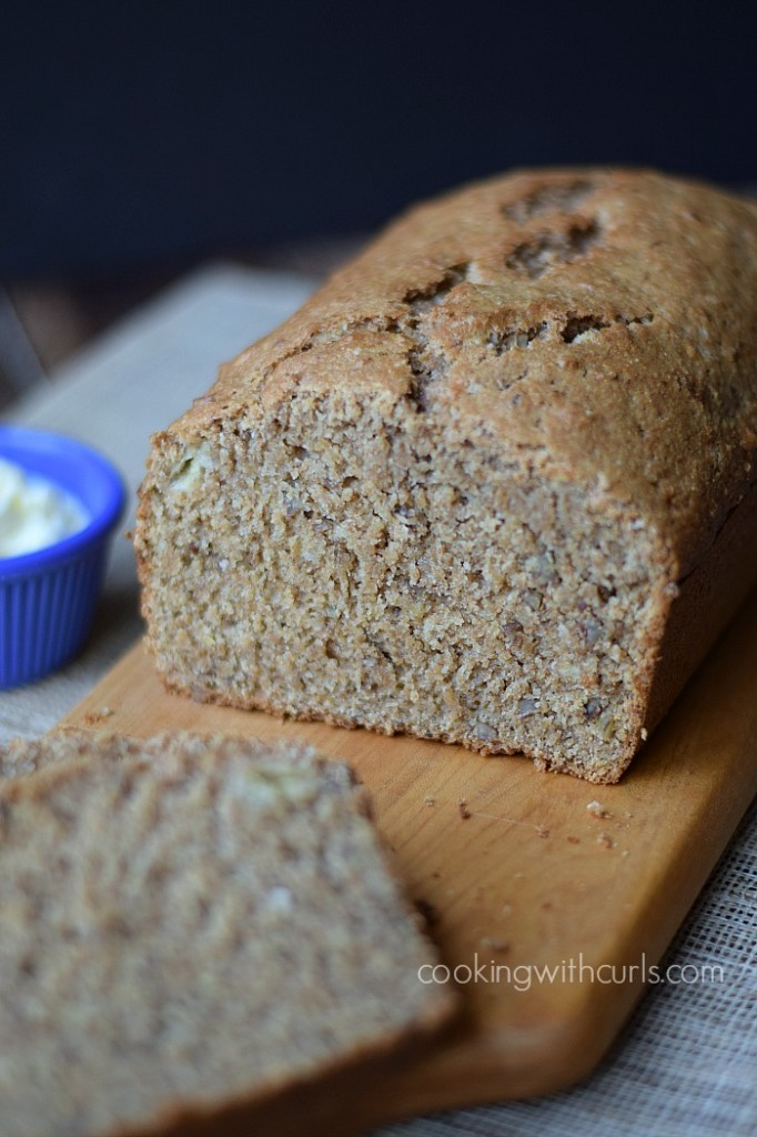 Whole Wheat Banana Nut Bread | cookingwithcurls.com
